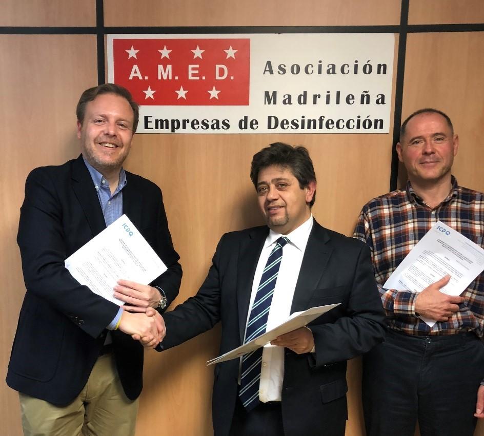 Presidente de Amed firma convenio con ICDQ